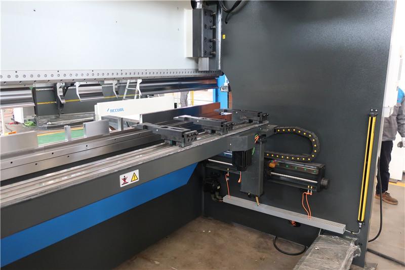 BGA-4 pentru X și R-Axis CNC Backgauge