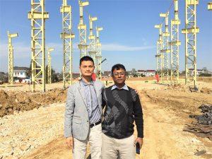Clienții din Bangladesh vin să viziteze noua fabrică pe care o construim