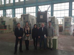 Clienții din Columbia vinde prese hidraulice de la companiile Accurl