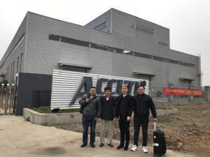 Clienții din Rusia vizitează linia dublă de îndoire în fabrica noastră