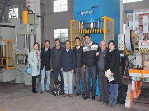 Delegația din Peru a venit să viziteze fabrica noastră și să cumpere mașini